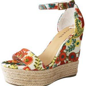 Bamboo Floral Platform Sandals- size 8